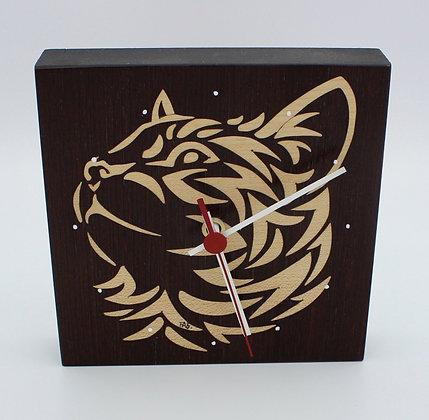 Horloge en marqueterie