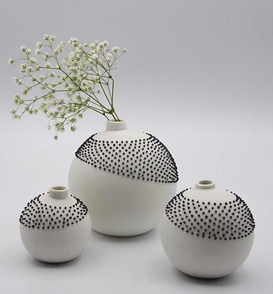 Vase porcelaine perles noires