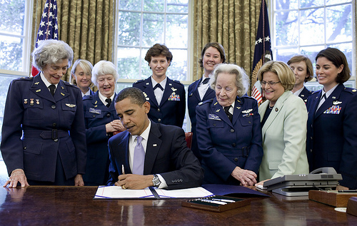 Pres. Obama signs Gold Medal bill