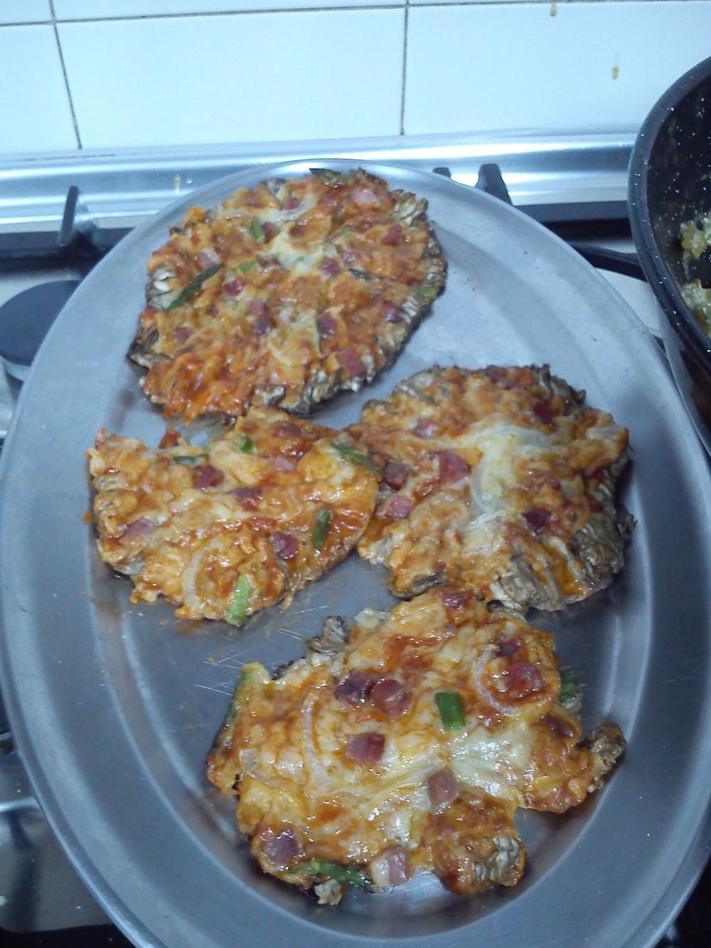 Pizza con base de macrolepiotas