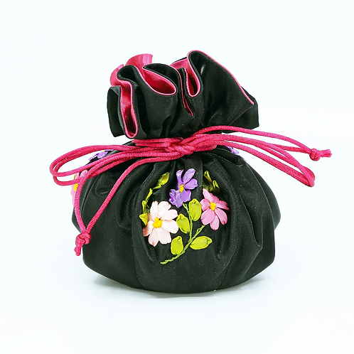 Embroidered flowers jewelry pouch, black