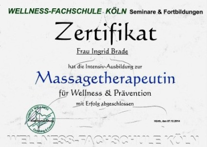 Massage Therapeut a_edited_edited.jpg