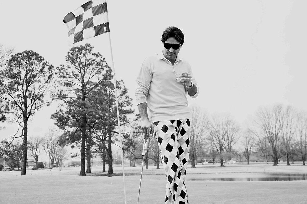 Delta_Man_Has_A_Way_With_Golf.jpg