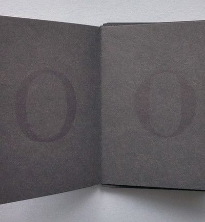 Detail of the evolution of the O in Humanist (left) and Modern (right) styles