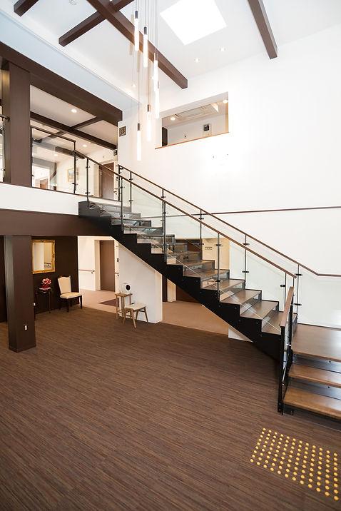 サービス付き高齢者向け住宅清住の杜町田吹き抜け天井階段