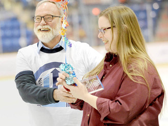 Lift awards Volunteer Spotlight Award at Tomahawks Game