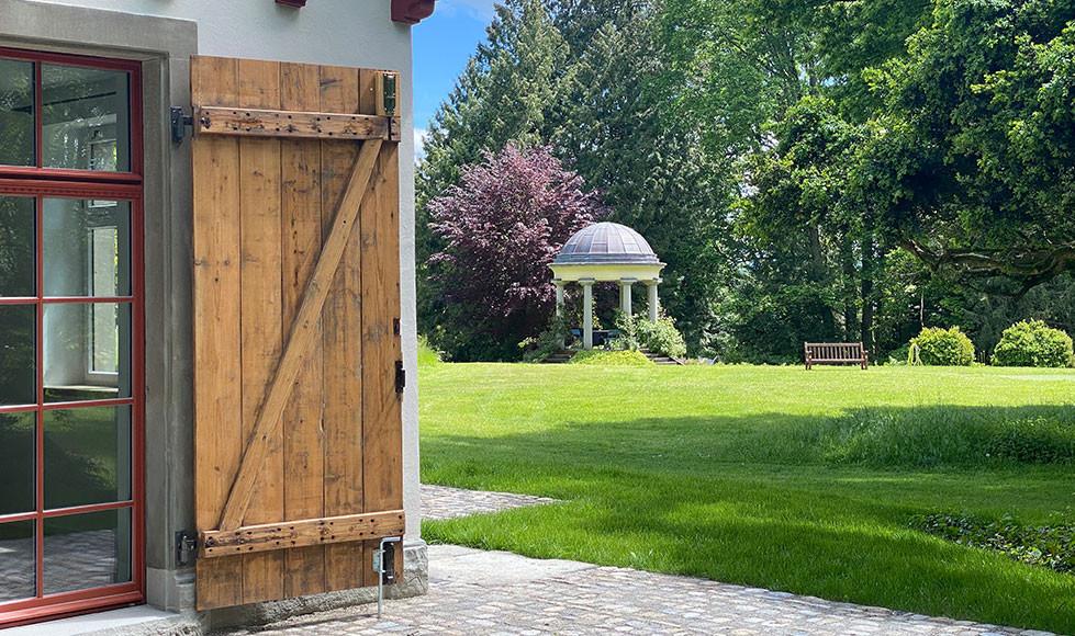 Remise-Blick-in-den-Garten.jpg