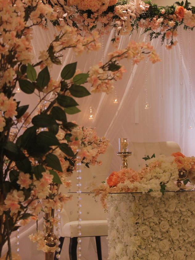 Blush weddog decor