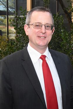 Dr Scott Howard