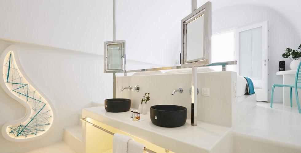 Oia Boutique Collection