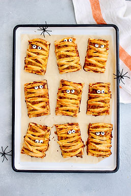 Ooooohhh... Mummy Sausage & Pumpkin Pies! Happy Halloween!