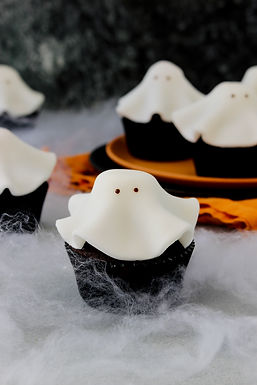 Fang-tastic ghost cupcakes - Happy Halloween!