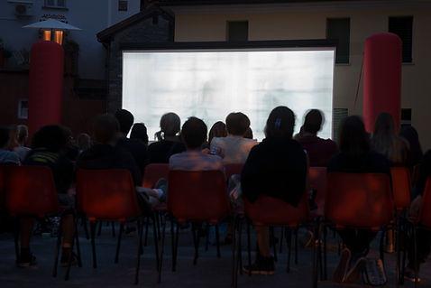 Screening cinema ao ar livre