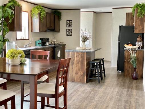 Pinnacle dining & Kitchen pic 1.jpg