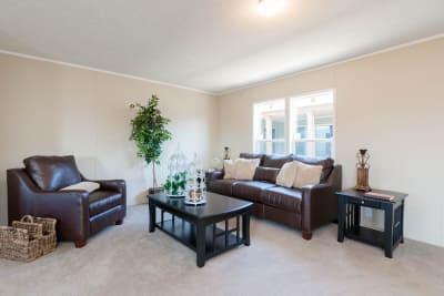 Commonwealth 201 living room 2.jpg