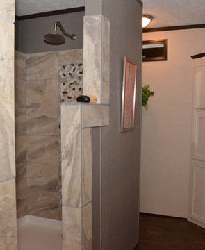 16783x_glamour_bath_shower_545_1.jpg