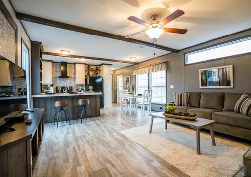 16763n_living_room_toward_kitchen_545_1.