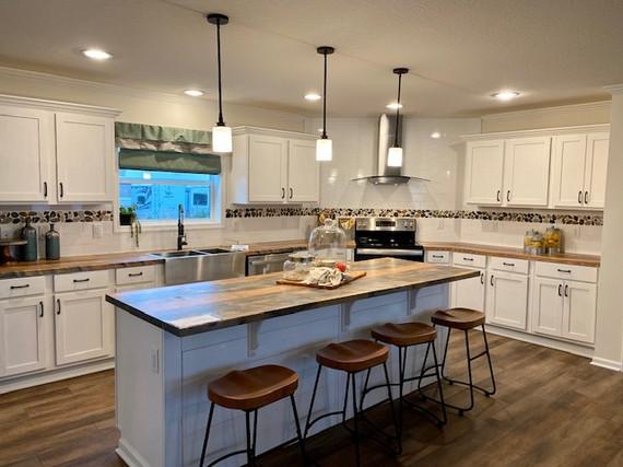 Maggie Kitchen  pic 2.jpg