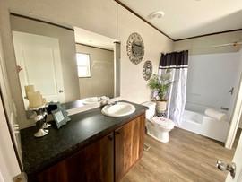 Grand Mst Bath Pic 2.jpg