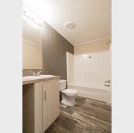 Commonwealth 201 bathroom 2B.jpg