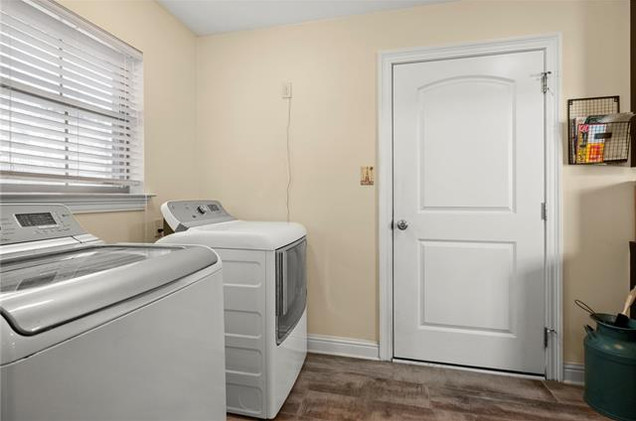 Laundry/ Mudroom