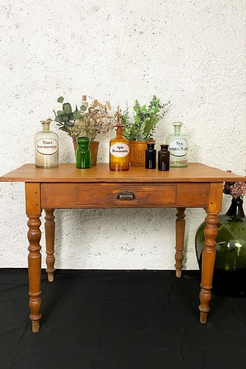 Table à pieds tournés vintage