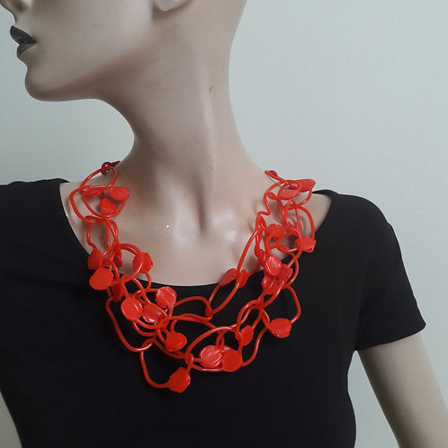 Red 'dot'  - necklace medium