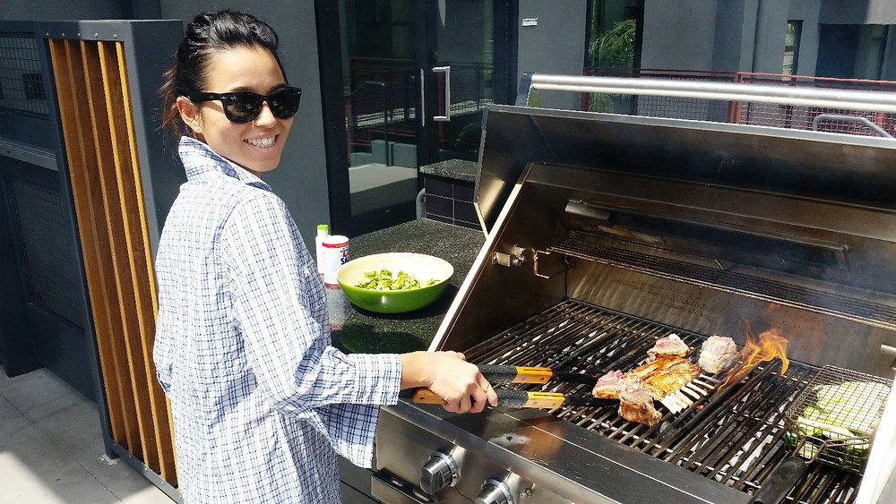 BBQing at Easter under the LA's sunshine