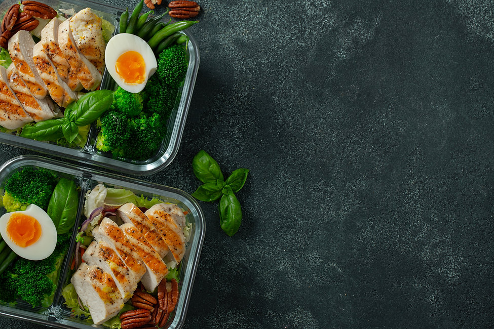 healthy-meal-prep-containers-with-chicke