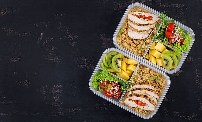 lunch-box-with-chicken-bulgur-microgreen