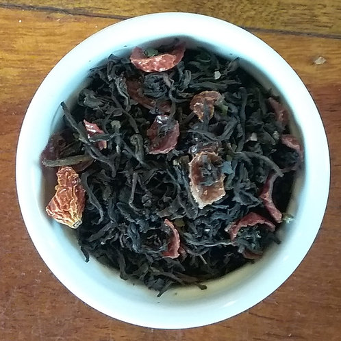 Black Tea with Pomegranate and Rosehips