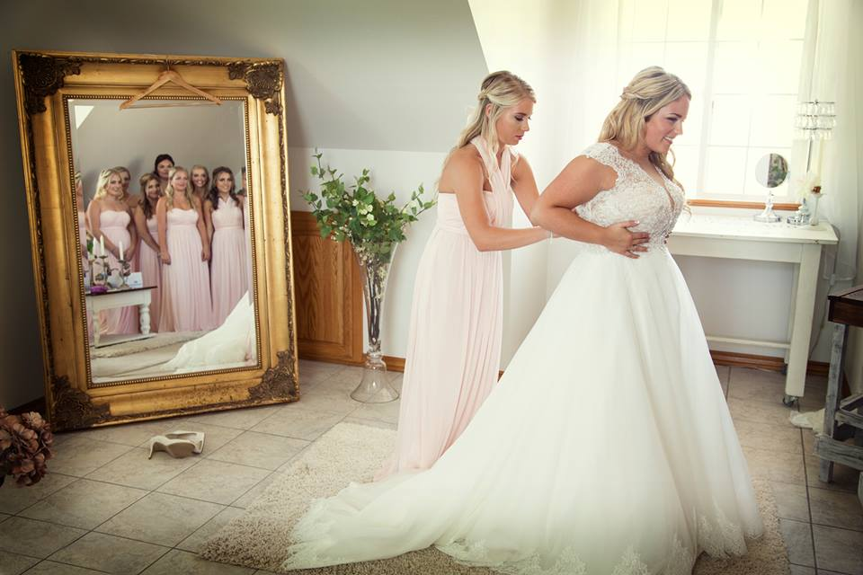 ana hopkins bridal suite beautiful!