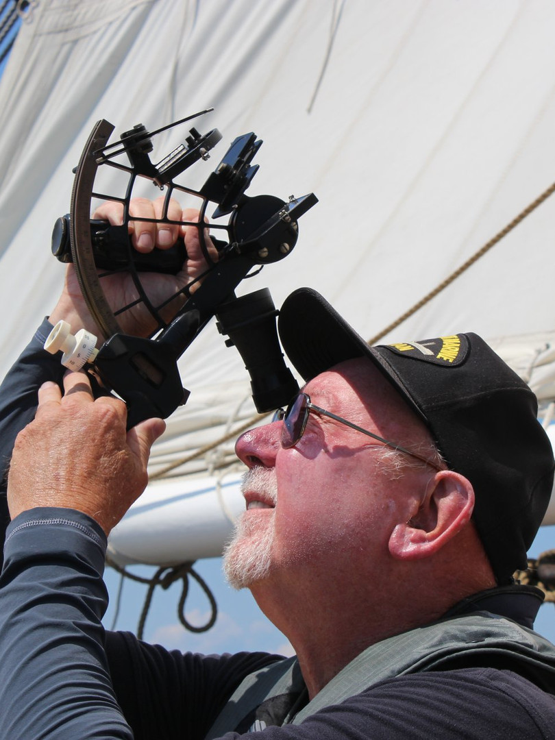 Learning to navigate with the sextant