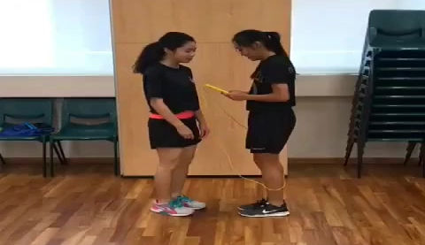 In our programme we teaches partner jump rope tricks. Through these tricks we encourgae social and emotion leanring.
