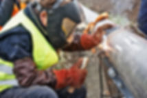 Man Fixing Rohr