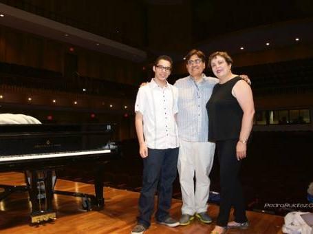 Orquesta Filarmónica de Puerto Rico Emmanuel Segarra and renowed composer Raymond Torres-Santos