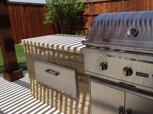 Omega Outdoor Grill