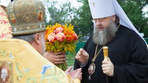 Настоятель Вознесенского храма протоиерей Анатолий Аухимик сослужил главе Донской Митрополии во врем