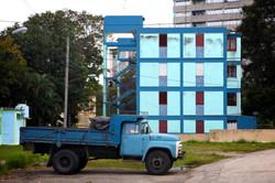 Blue Truck and Building: Vedado