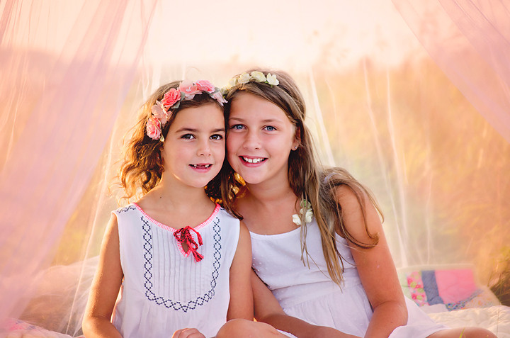 Girls sister love g.jpg