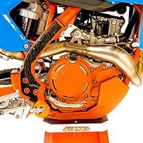 engine cases.jpg