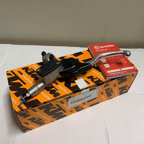 Brembo Clutch Master Cylinder Lighter (09)