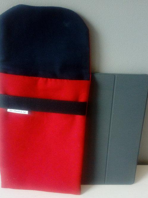"""Housse tablette """"Rouge et Marine"""""""