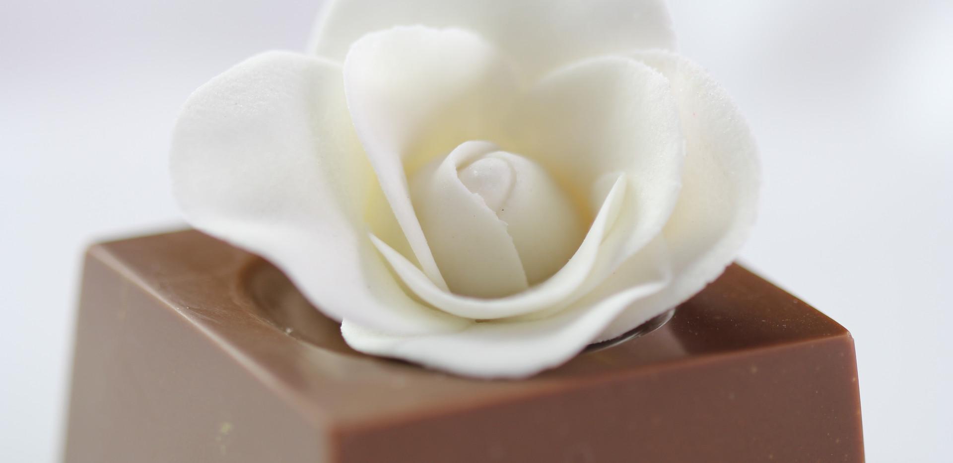 Mini Presente com Rosa em Açúcar