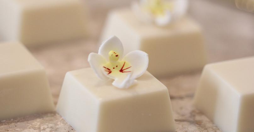 Detalhe de Mini Orquídea em Açúcar