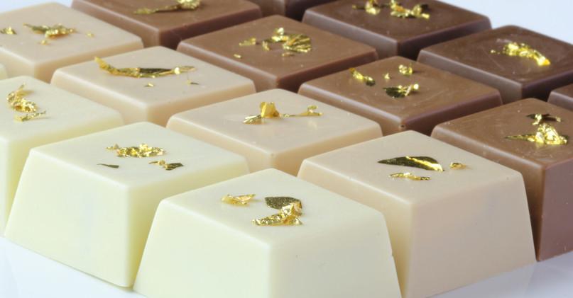 Waffer de Nutella degradê com folha de ouro
