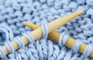 Comment tricoter plusieurs fils à la fois ?