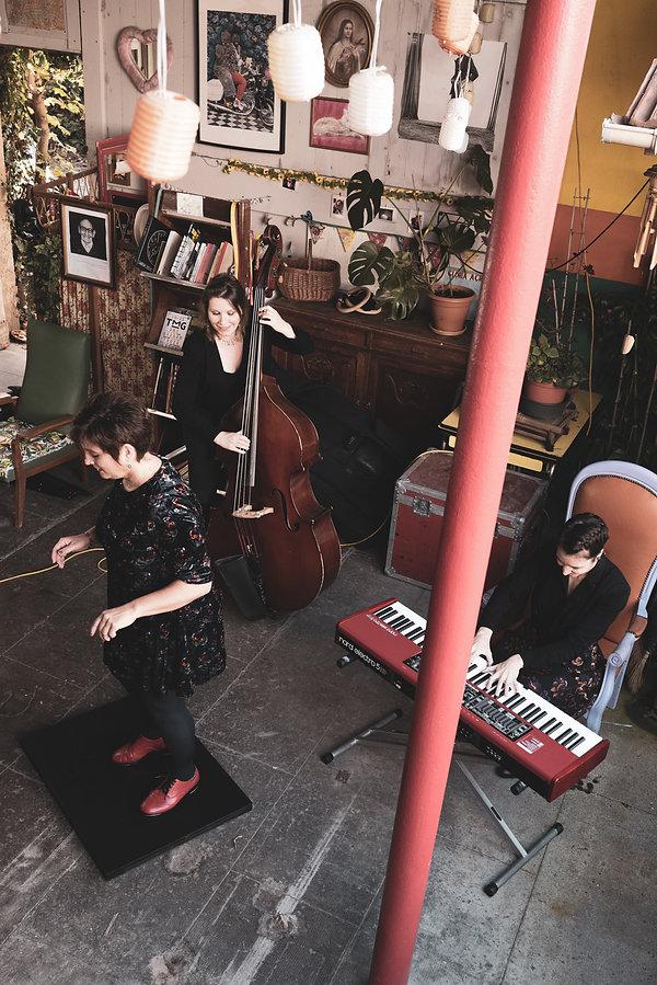 3 musiciennes (FF)3.jpg