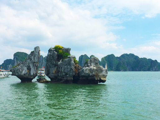 Ha Long Bay – Vietnam's Breathtaking Natural Wonder
