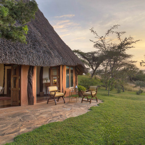 Relax above the plains of Lewa